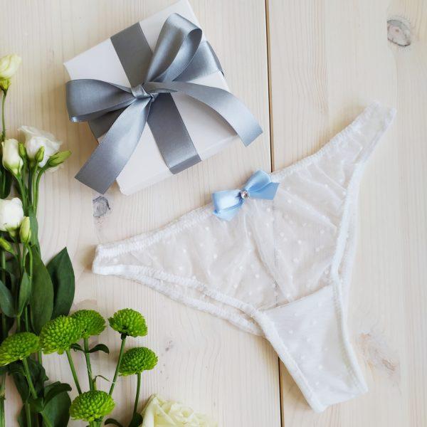 Svatební kalhotky průhledné bílé s modrou mašličkou