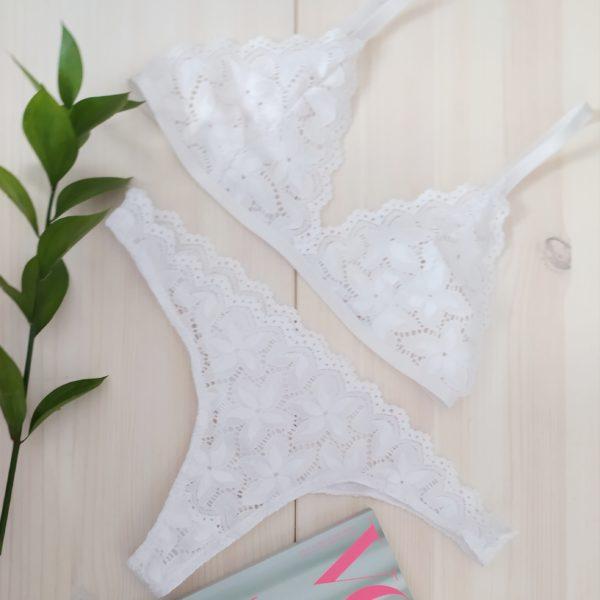 Braletka bílá + kalhotky 2